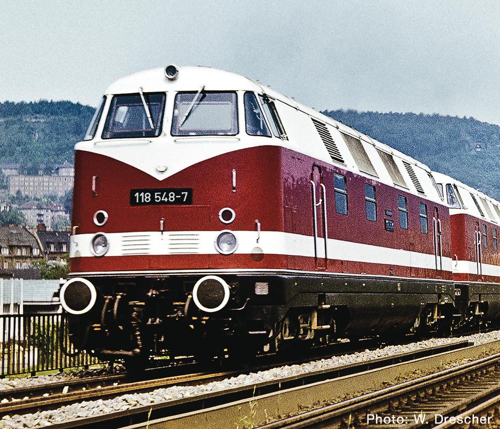 Diesel locomotive 118 548-7, DR