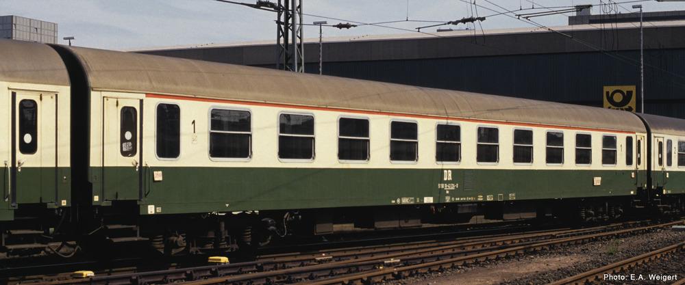 1st class express train passenger coach, DR