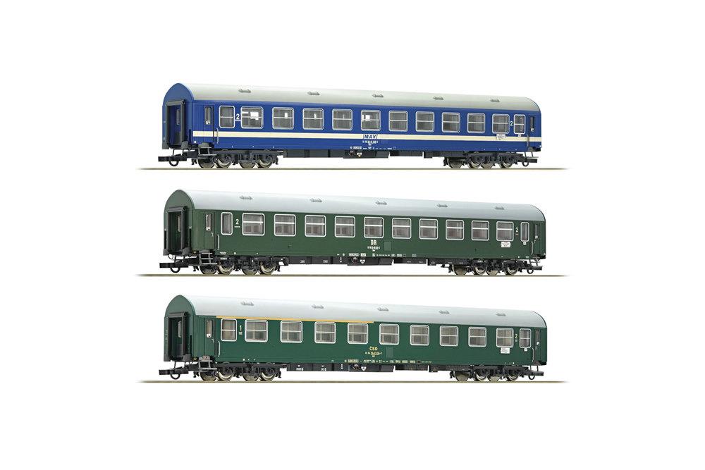 DR / CSD / MAV - D270 Meridian passenger coaches