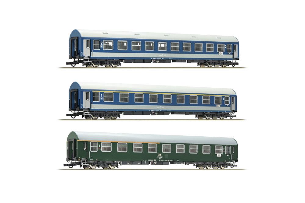 DR / MAV - D270 Meridian passenger coaches