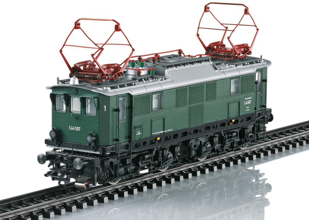 DB - E 44.5 electric locomotive