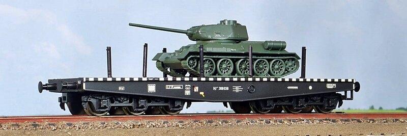 CFR - Niisdff/t flat wagon with T34 tank