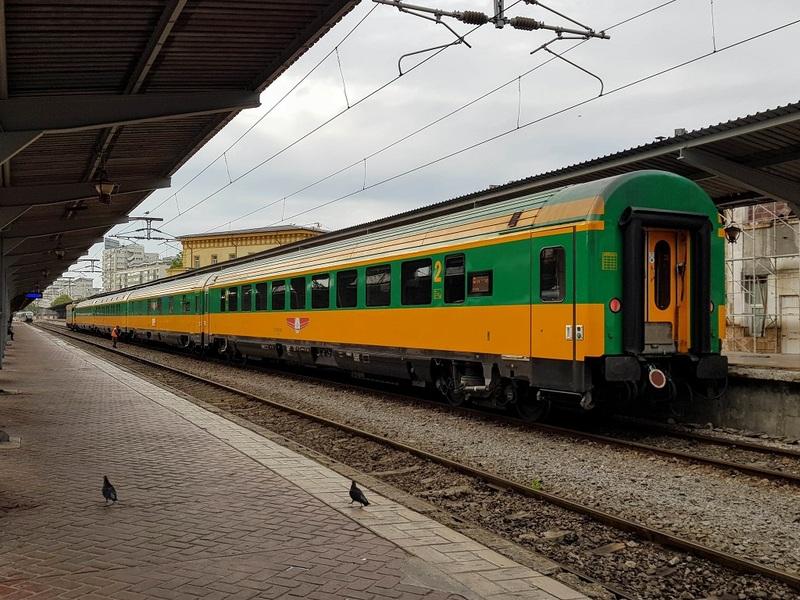 ATC - 1x 2nd class standard coach & 2x sleeping coaches set