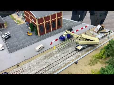 Video: Roco 73035 - EDK 750 railway crane (Spielwarenmesse 2020)