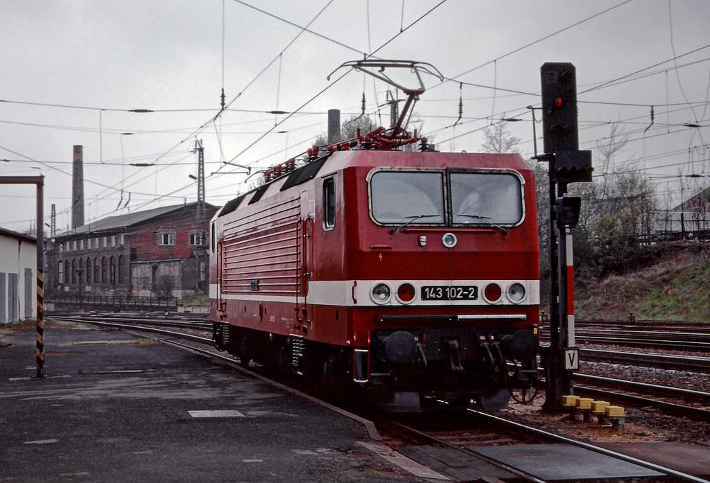 DB 143 102