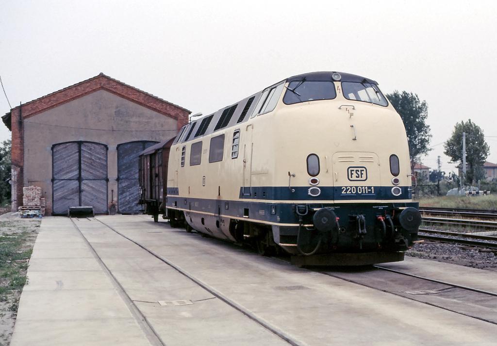 FSF 220 011 (ex DB 220 011) in Sermide