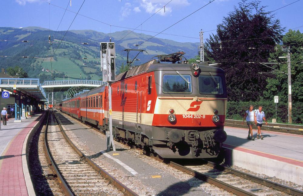 Class 1044 / 1144