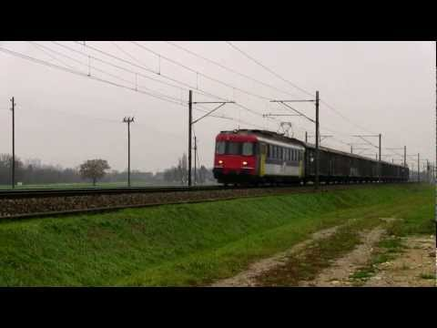 Video: OeBB RBe 4/4 with a freight train