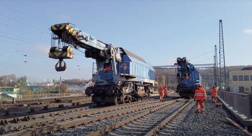 Video: EDK 750 railway crane
